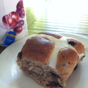 traditional hot cross bun and tea